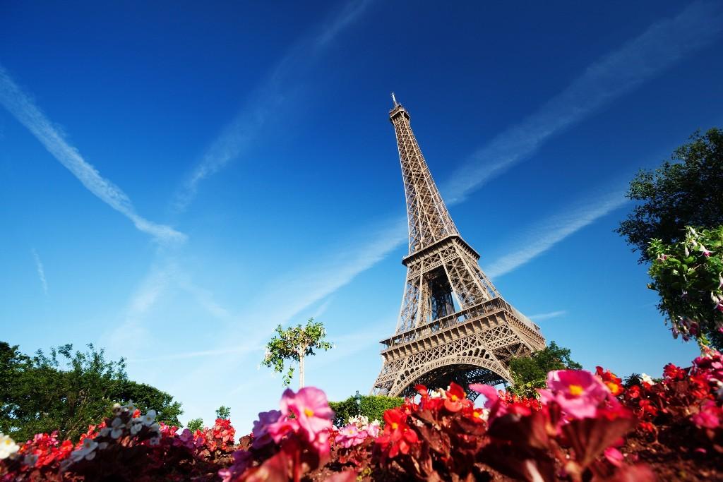 paris-eiffel-tower-wallpaper-s