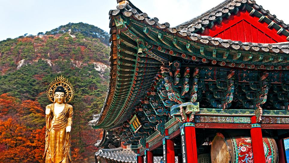daily-escape-seoul-korea-buddha-temple.rend.tccom.966.544